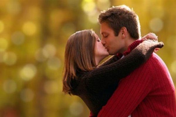 9 bệnh nguy hiểm không ai ngờ có thể lây nhiễm qua nụ hôn