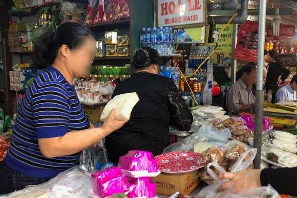 Hà Nội: Phát hiện nhiều nhà hàng ở Phủ Tây Hồ, Chùa Hương rửa bát chưa sạch