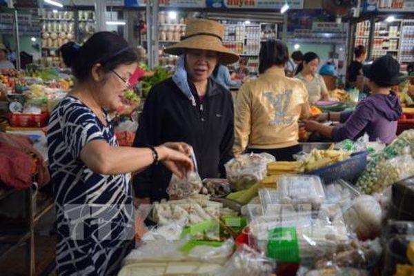 Thị trường thực phẩm ngày Rằm tháng Giêng: Giá giảm so với Tết Nguyên đán