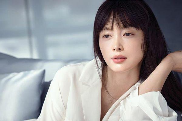 Lee Na Young tái xuất màn ảnh sau 8 năm và nhan sắc 'tường thành'