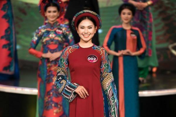 Dấu ấn Kinh Bắc trong áo dài Lasen Vũ