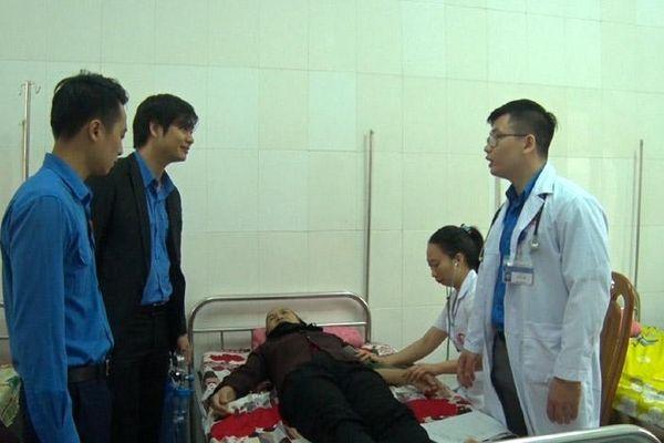 Uông Bí: Gần 200 người được khám và cấp thuốc miễn phí