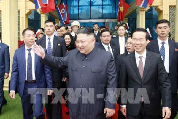 Thượng đỉnh Mỹ-Triều 2019: Chủ tịch Triều Tiên Kim Jong-un rời Lạng Sơn về Hà Nội