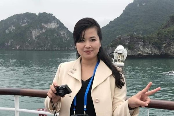 Ca sĩ quyền lực nhất Triều Tiên cùng nhiều 'bóng hồng' 'check-in' ở Hạ Long