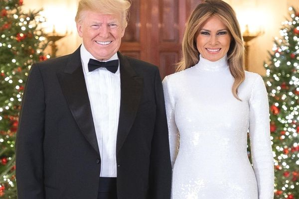 Ai nói trang phục sequin không dành cho phụ nữ trung niên?