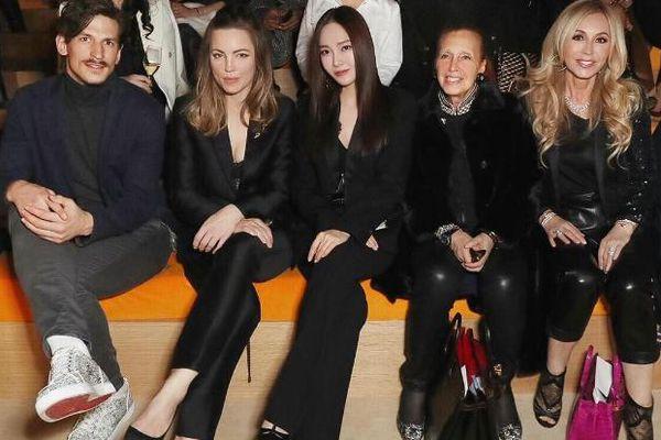 Jessica Jung 'nổi bần bật' hút cánh truyền thông trên hàng ghế VIP tại show Hermes