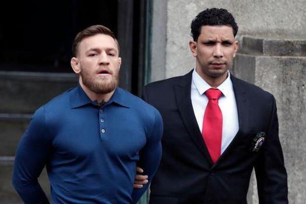 'Gã điên' UFC McGregor bị bắt vì cướp có vũ trang