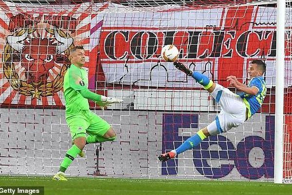 Salzburg - Napoli 3-1 (chung cuộc 3-4): Dabour, Gulbrandsen, Leitgeb ghi bàn nhưng vẫn bị loại
