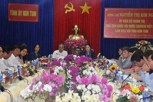 Chủ tịch Quốc hội Nguyễn Thị Kim Ngân làm việc tại Kon Tum
