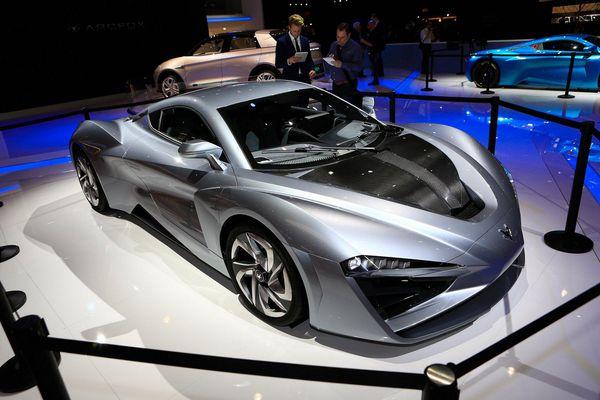 Qua thời chỉ sản xuất xe phổ thông, hãng xe Trung Quốc trình làng siêu xe mạnh ngang Bugatti Chiron