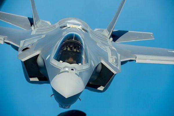 F-35 có thêm vũ khí khủng: 'Mưa sao băng và bom'