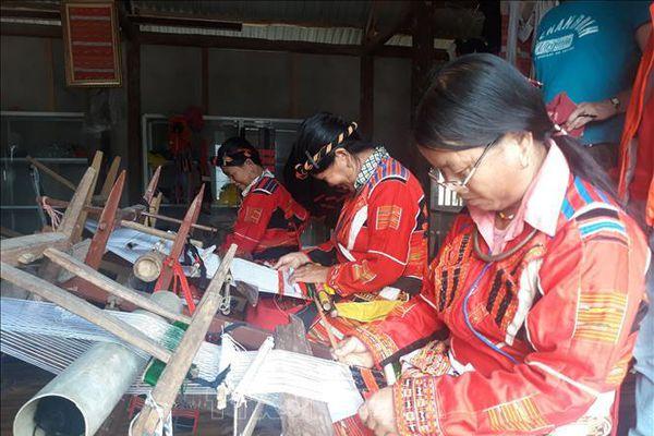Bảo tồn nghề dệt thổ cẩm của người Pà Thẻn