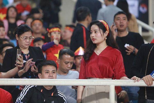Những 'bóng hồng' tiếp sức cho U23 Việt Nam ở Mỹ Đình