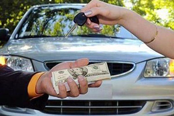 Chiếm đoạt tiền tỷ bằng hai hợp đồng bán ôtô 'ma'