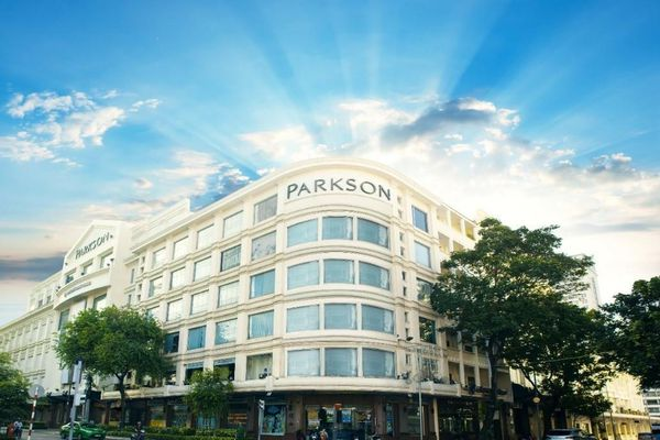 'Hồi sinh' TTTM Parkson Saigon Tourist