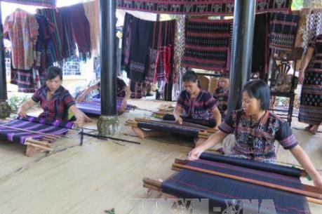 Hơn 300 nghệ nhân tham gia Festival nghề truyền thống Huế năm 2019