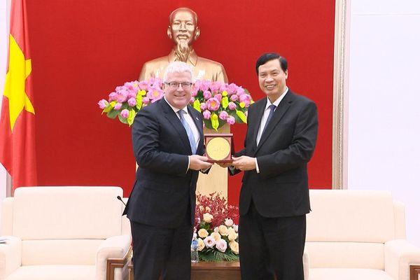 Chủ tịch UBND tỉnh Nguyễn Đức Long tiếp xã giao Đại sứ Australia tại Việt Nam
