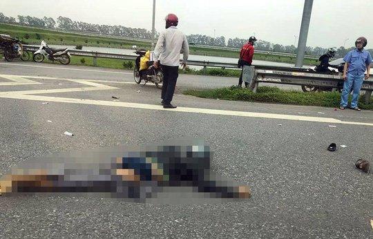 Tai nạn thương tâm trên cao tốc, bố mẹ tử nạn để lại cặp song sinh 5 tuổi