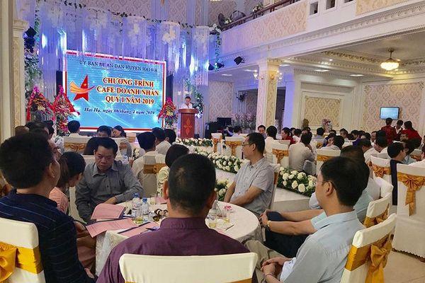 Hải Hà tổ chức chương trình 'Cafe doanh nhân'