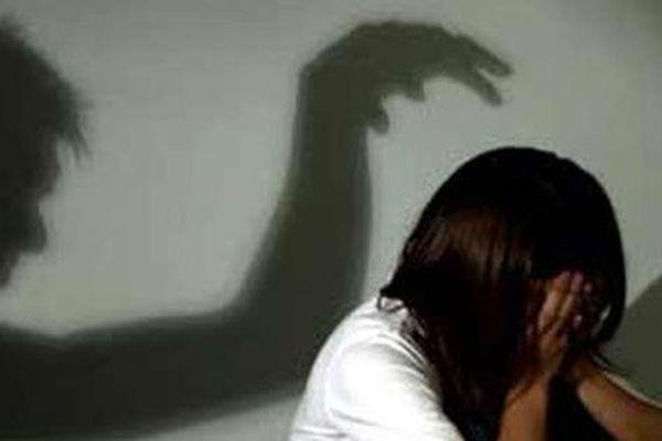 Ông lão mới ra tù về tội hiếp dâm lại bị tố cưỡng hiếp bé gái 11 tuổi
