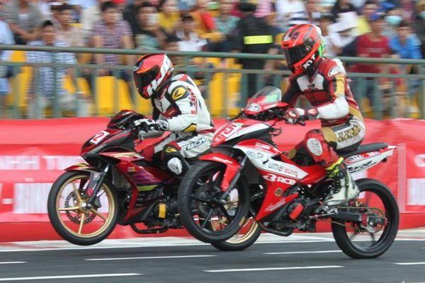 Mãn nhãn với những màn rượt đuổi tốc độ ở giải đua mô tô toàn quốc