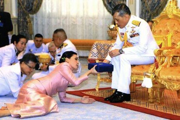 Kênh truyền hình Đức xin lỗi vì bắt chước nghi lễ Hoàng gia Thái Lan