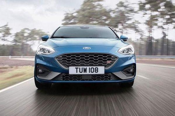 Chi tiết xe Ford Focus ST 2019 giá từ 896 triệu đồng