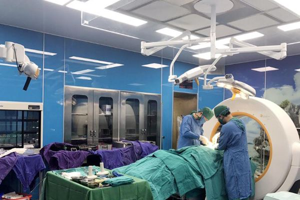 Điều trị cho bệnh nhân vỡ cột sống bằng kỹ thuật mới