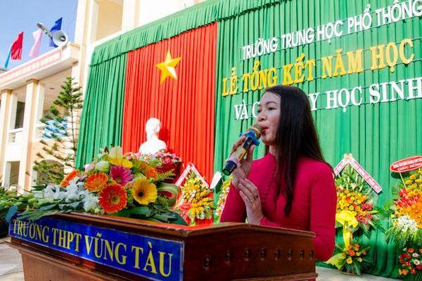 Trường THPT Vũng Tàu: Tổ chức lễ bế giảng và chia tay học sinh khối 12