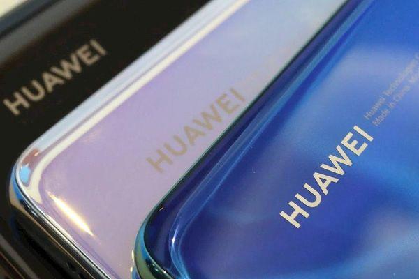 Huawei nói gì khi bị Liên minh Wi-Fi và Hiệp hội SD 'gạch tên'?