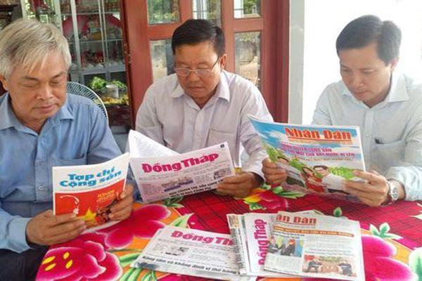 Huyện ủy Lai Vung tiếp tục thực hiện tốt việc mua và đọc báo, tạp chí của Đảng