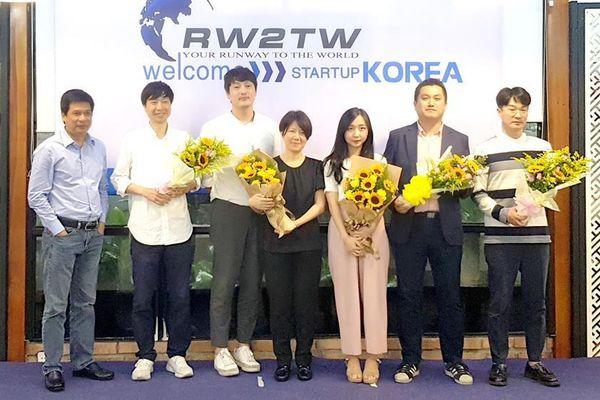 Kết nối startup Việt với thế giới