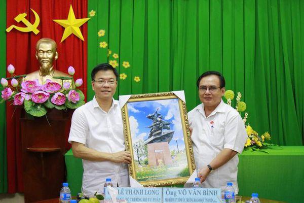 Bộ trưởng Lê Thành Long thăm Đoàn ĐBQH tỉnh Tiền Giang