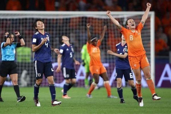 Bóng đá châu Á chia tay World Cup nữ 2019 sau vòng 1/8