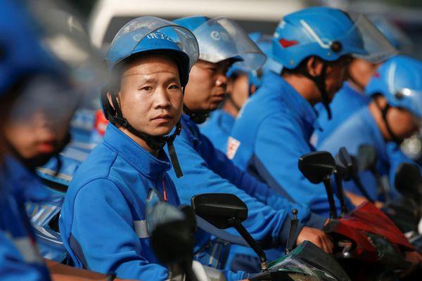 Tài xế giao đồ ăn ở Trung Quốc - công việc đầy vất vả và nguy hiểm