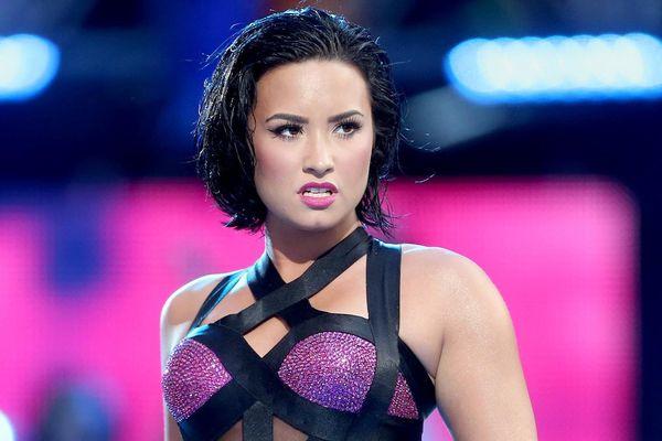 Demi Lovato còn lại gì sau cơn nghiện rượu và thói sân si?