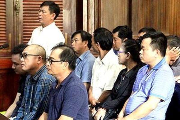 Bị truy tố về tội buôn lậu, tòa 'cho' phạt tiền, Viện kiểm sát kháng nghị
