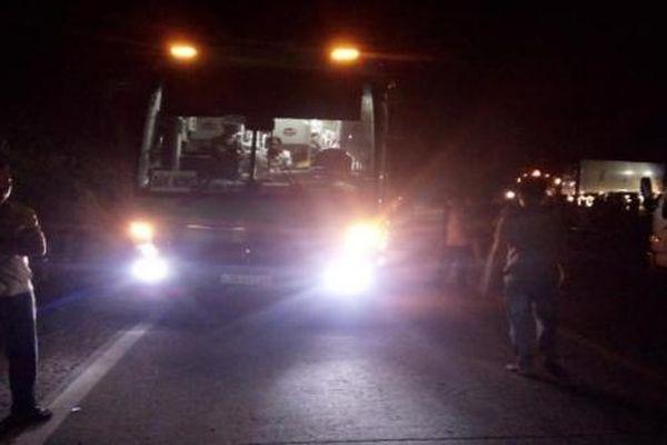 2 thiếu nữ đi xe máy chết thảm sau va chạm với xe khách