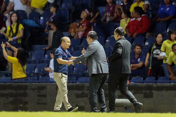 Thái Lan lấy sức nhàn đánh sức mỏi học trò ông Park