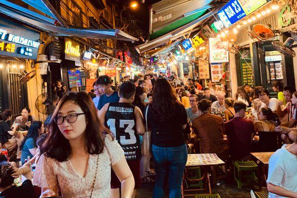 Việt Nam phải làm gì nếu muốn 'thắp sáng kinh tế ban đêm' như Trung Quốc?