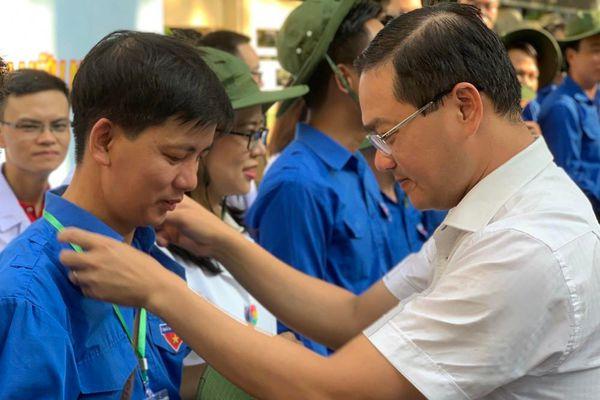 Khám bệnh, phát thuốc miễn phí cho 1.000 người dân nước bạn Lào