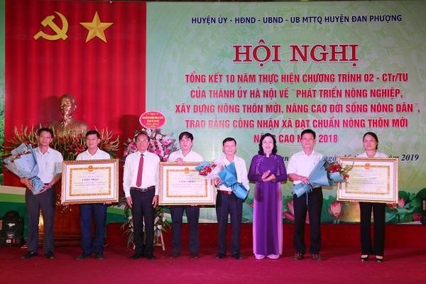 Phó Bí thư Thường trực Thành ủy Ngô Thị Thanh Hằng: Đan Phượng cần giữ vững vị trí tiên phong trong xây dựng nông thôn mới