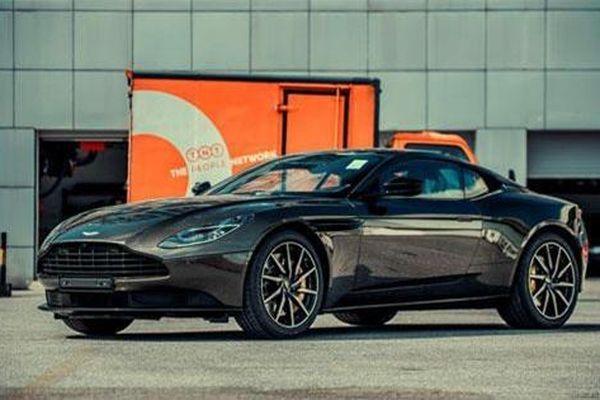 Cận cảnh Aston Martin DB11 giá hơn 16 tỷ tại Việt Nam