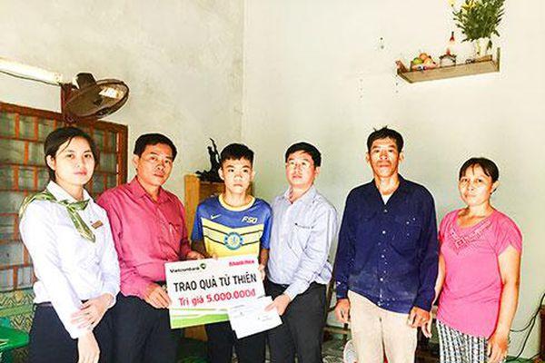 Cháu Nguyễn Duy Quân được bạn đọc ủng hộ 25 triệu đồng