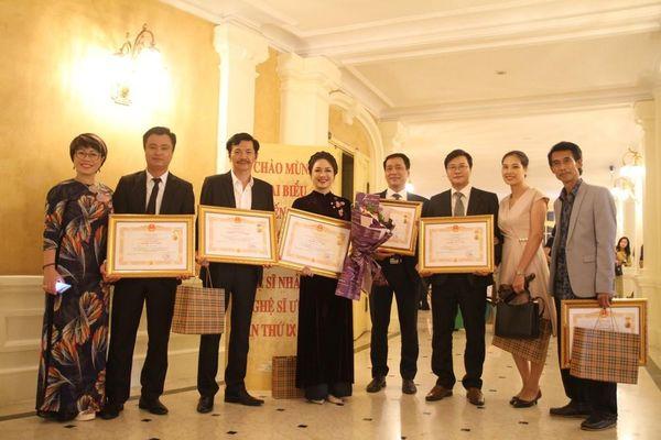9 nghệ sĩ Nhà hát kịch Việt Nam nhận danh hiệu NSND, NSƯT năm 2019