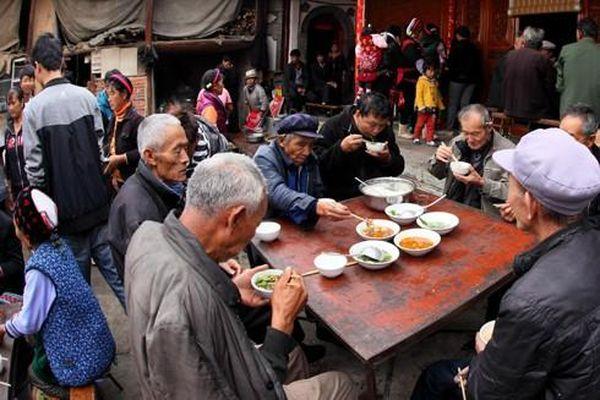 Bi kịch nhiều người già chết trong cô đơn ở quốc gia đông dân nhất thế giới