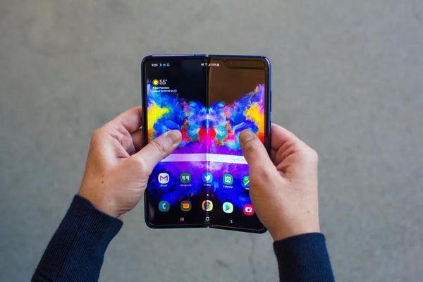 Ngoài Samsung và Huawei, thị trường smartphone màn hình gập còn ai?