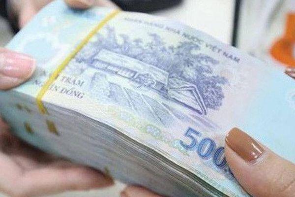 Tám tháng, Chính phủ đã dành bao nhiêu tiền để trả nợ?