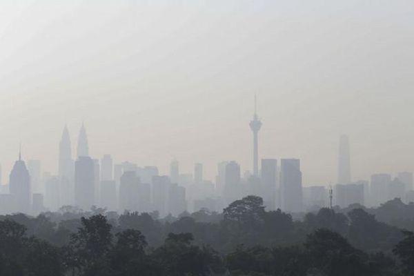 Cháy rừng nghiêm trọng, quan chức Indonesia và Malaysia đấu khẩu