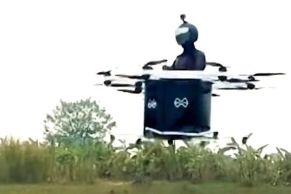 Máy bay điện một người lái đầu tiên ở Việt Nam do kỹ sư Hà Nội chế tạo